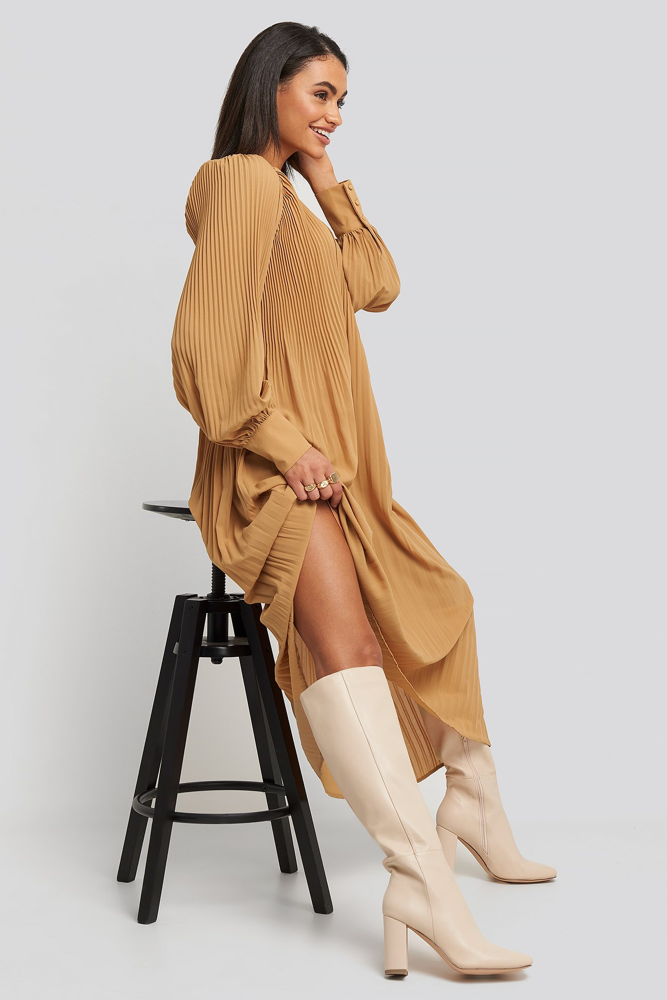 na-kd shoes -  Straight Shaft Knee High Boots - Beige