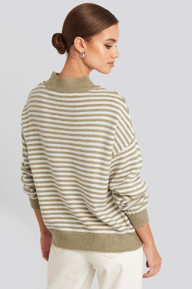 Striped Balloon Sleeve Knitted Sweater Beige/White