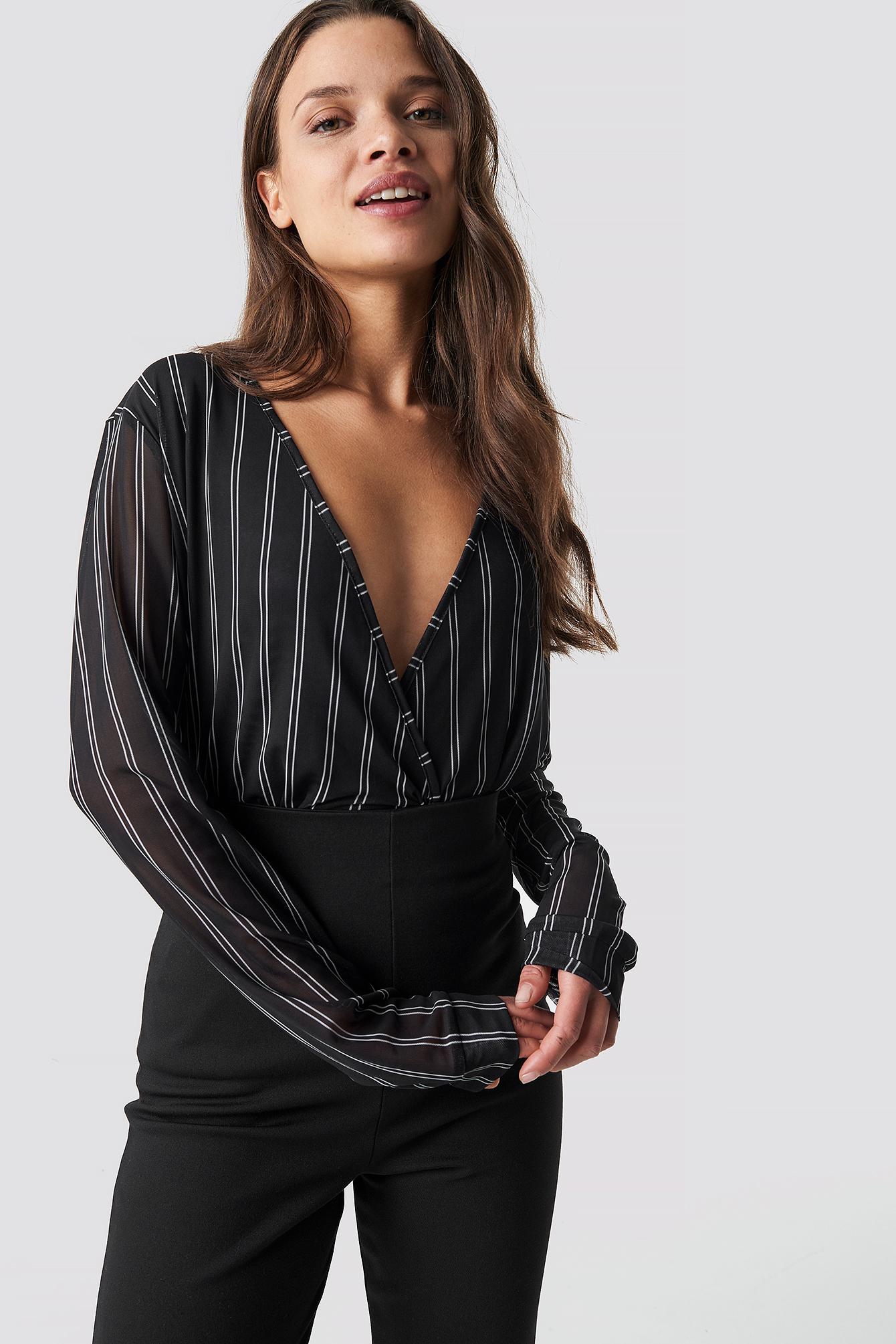 na-kd trend -  Striped Mesh Overlap Top - Black