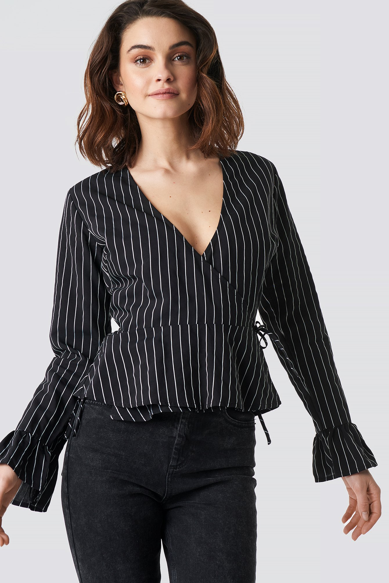 na-kd -  Striped Overlap Blouse - Black