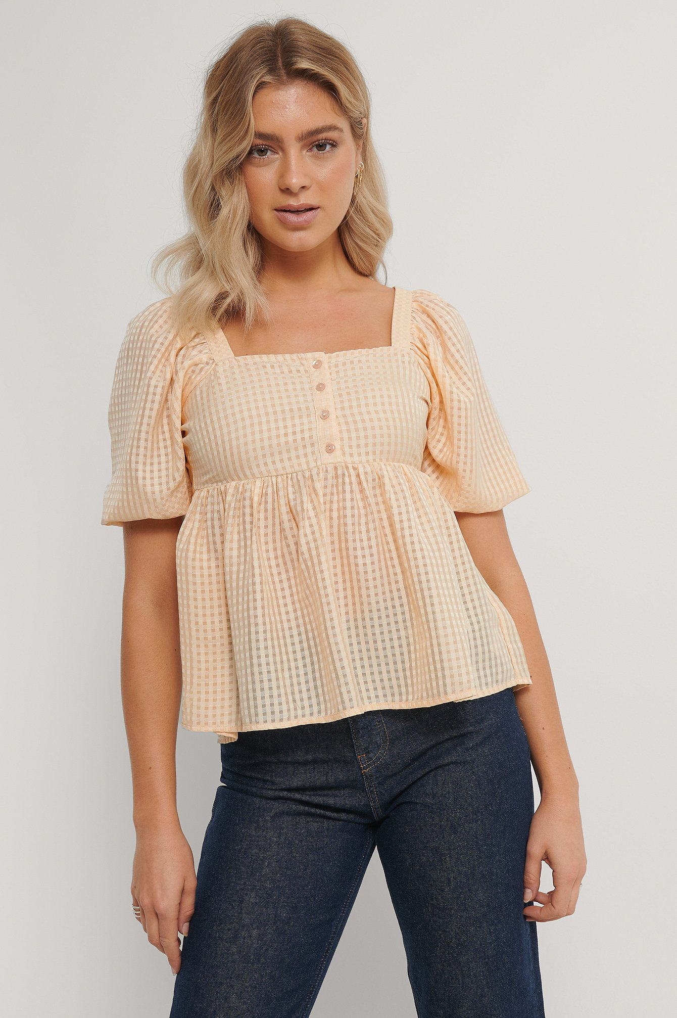 Light Yellow Ternet Bluse Med Pufærmer