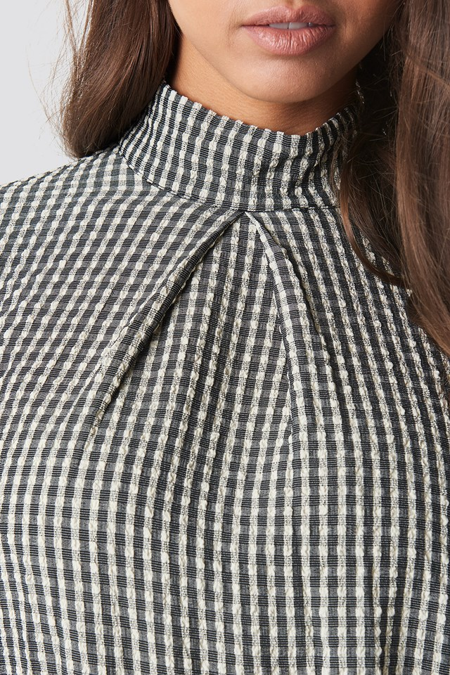 Structured Checkered High Neck Blouse beige/Black