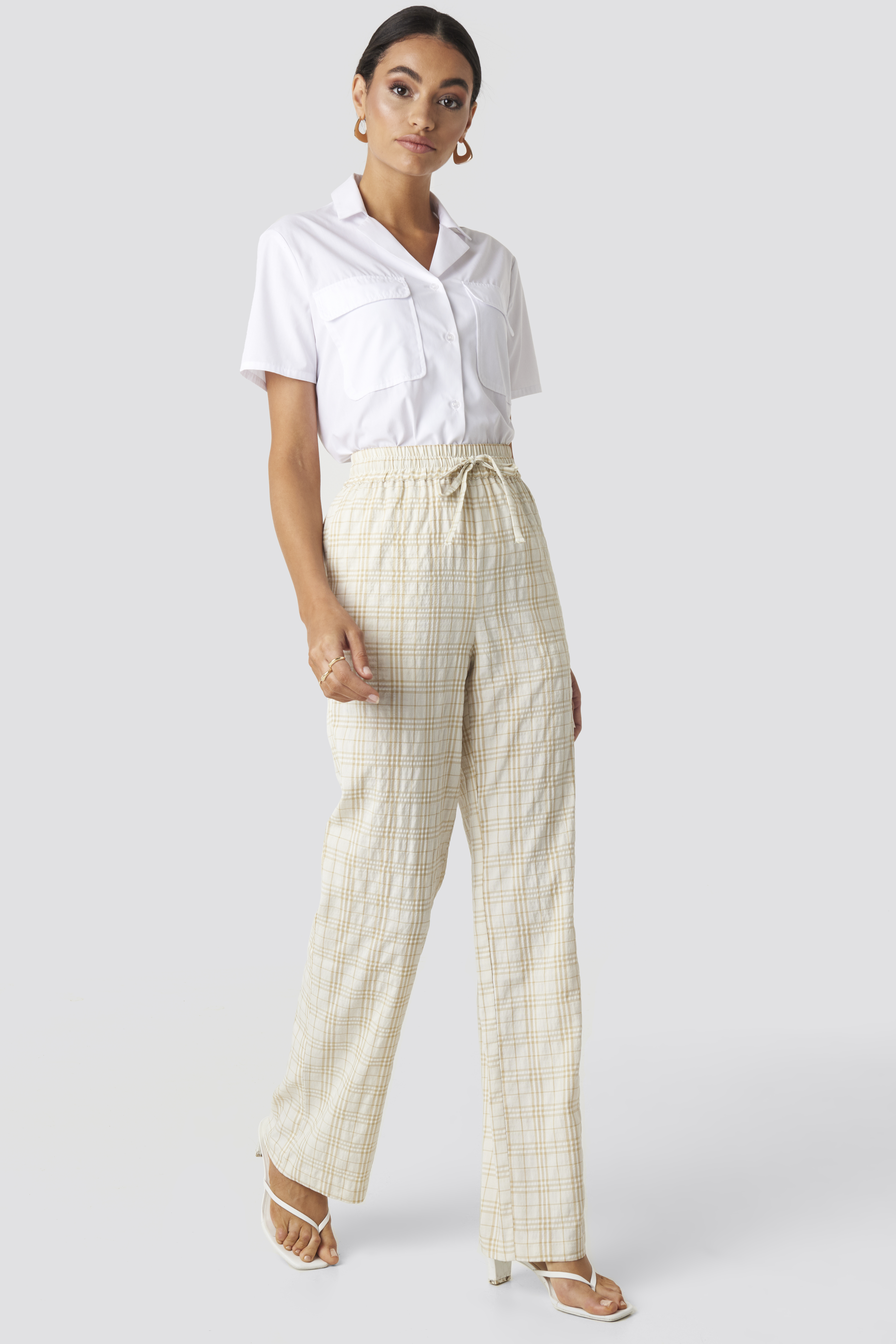 Structured Checkered Relaxed Trousers Beige by Nakdclassic