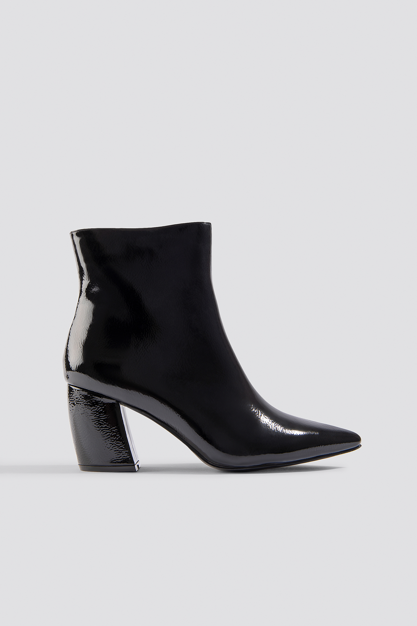 na-kd shoes -  Structured Patent Mid Heel Boots - Black