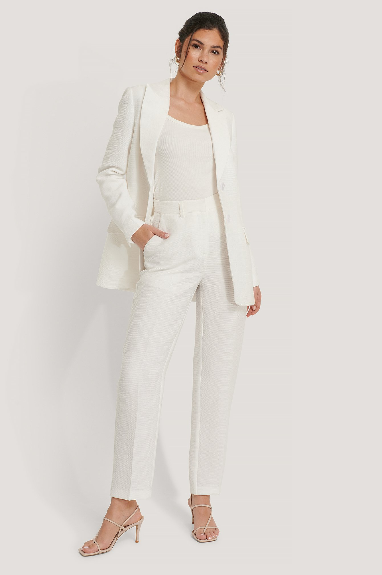 na-kd classic -  Strukturierte Anzughose - Offwhite