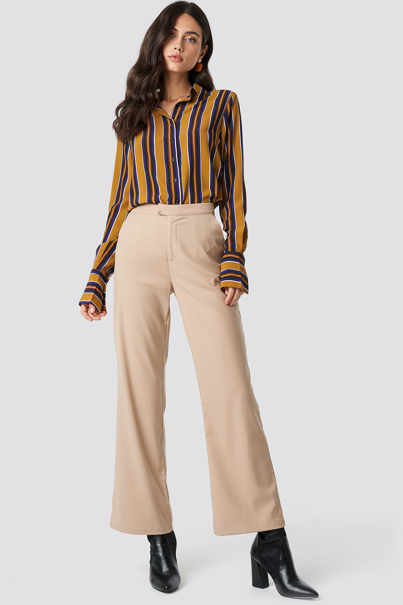 na-kd classic -  Tailored Flared Pants - Beige