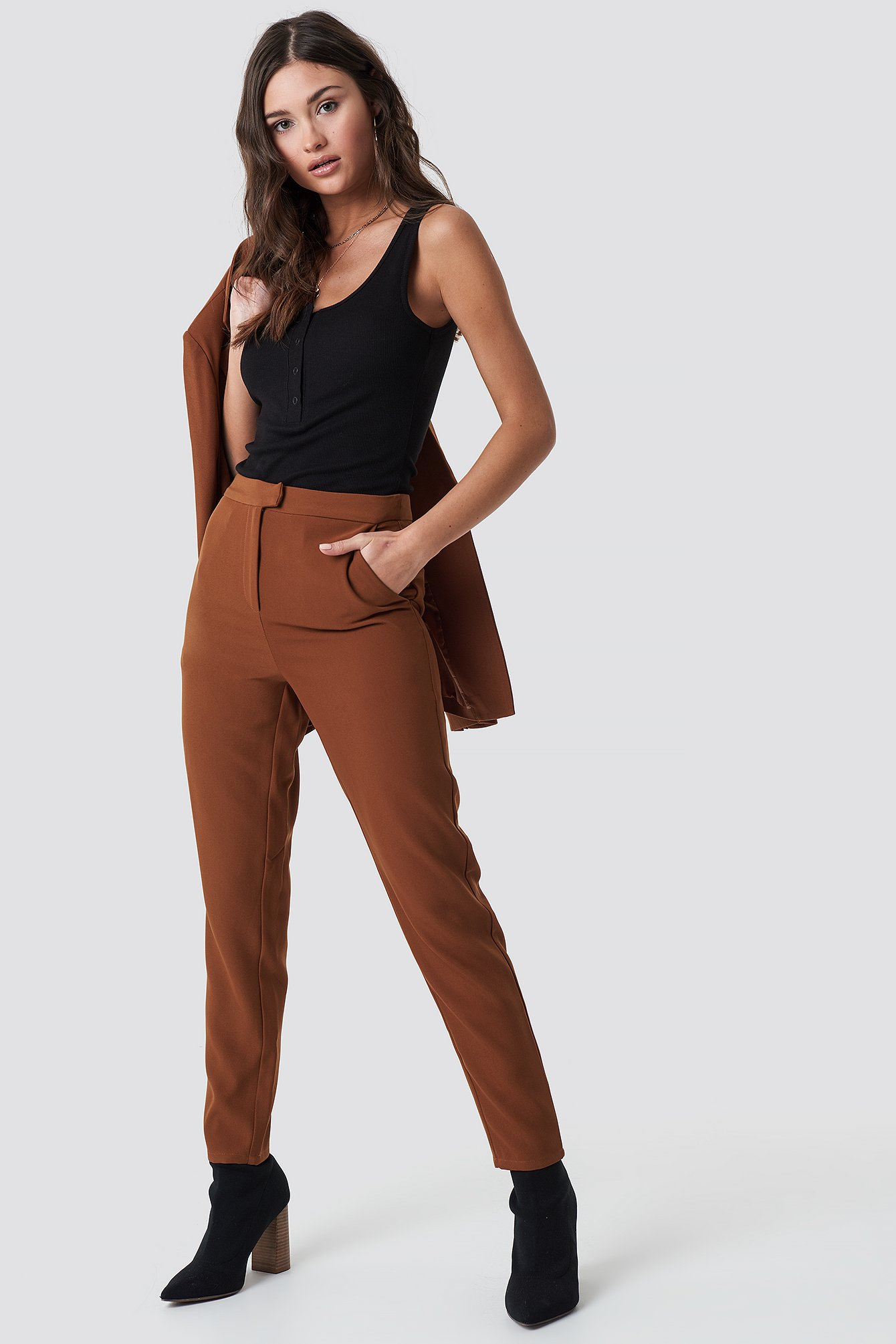 na-kd classic -  Tailored Suit Pants - Brown