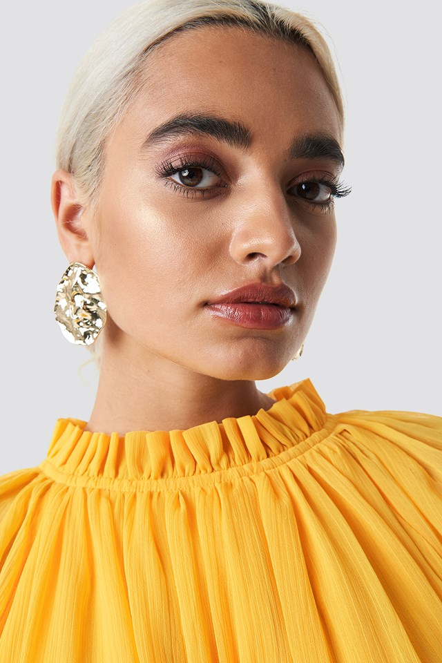 Textured Plate Earrings Gold