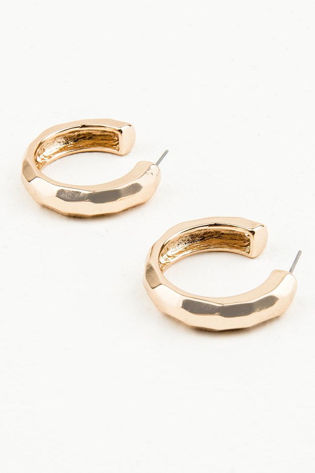 Thick Round Structured Earrings Gold