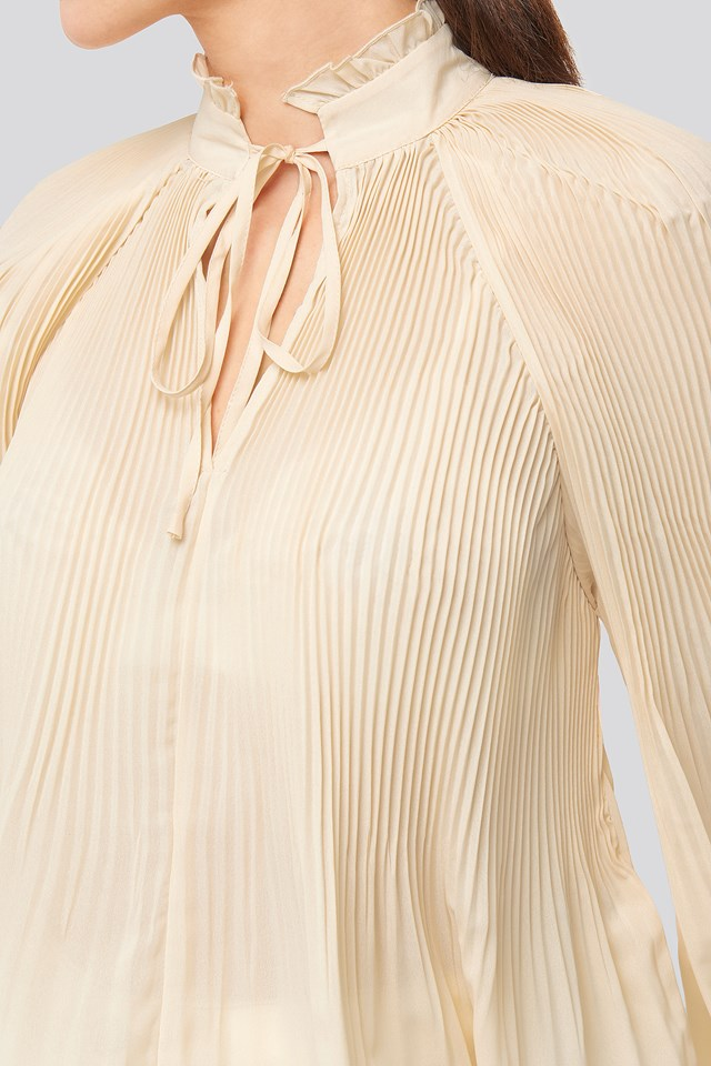 Tie Neck Pleated Blouse Offwhite
