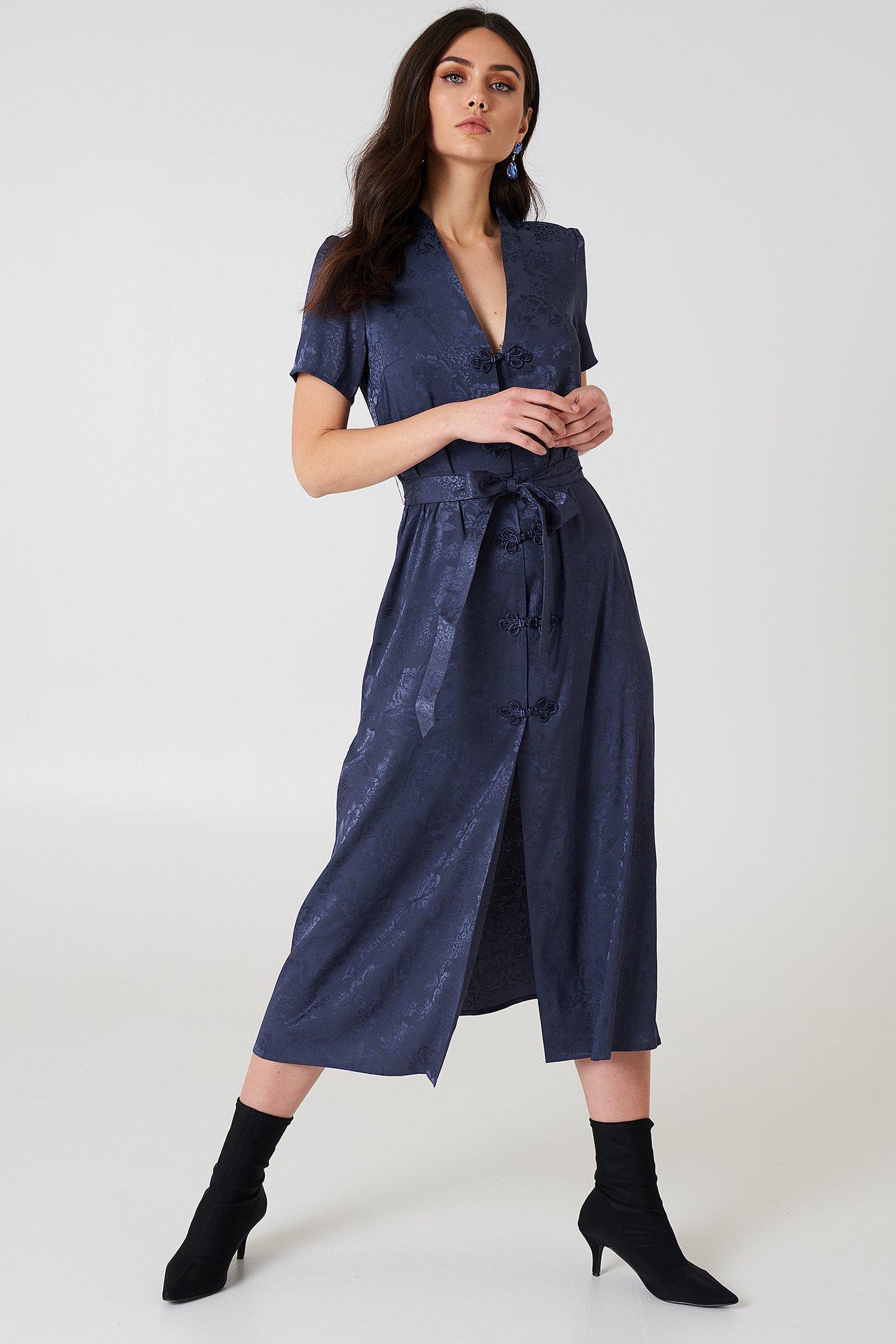 na-kd boho -  Tie Waist Jacquard Satin Dress - Blue
