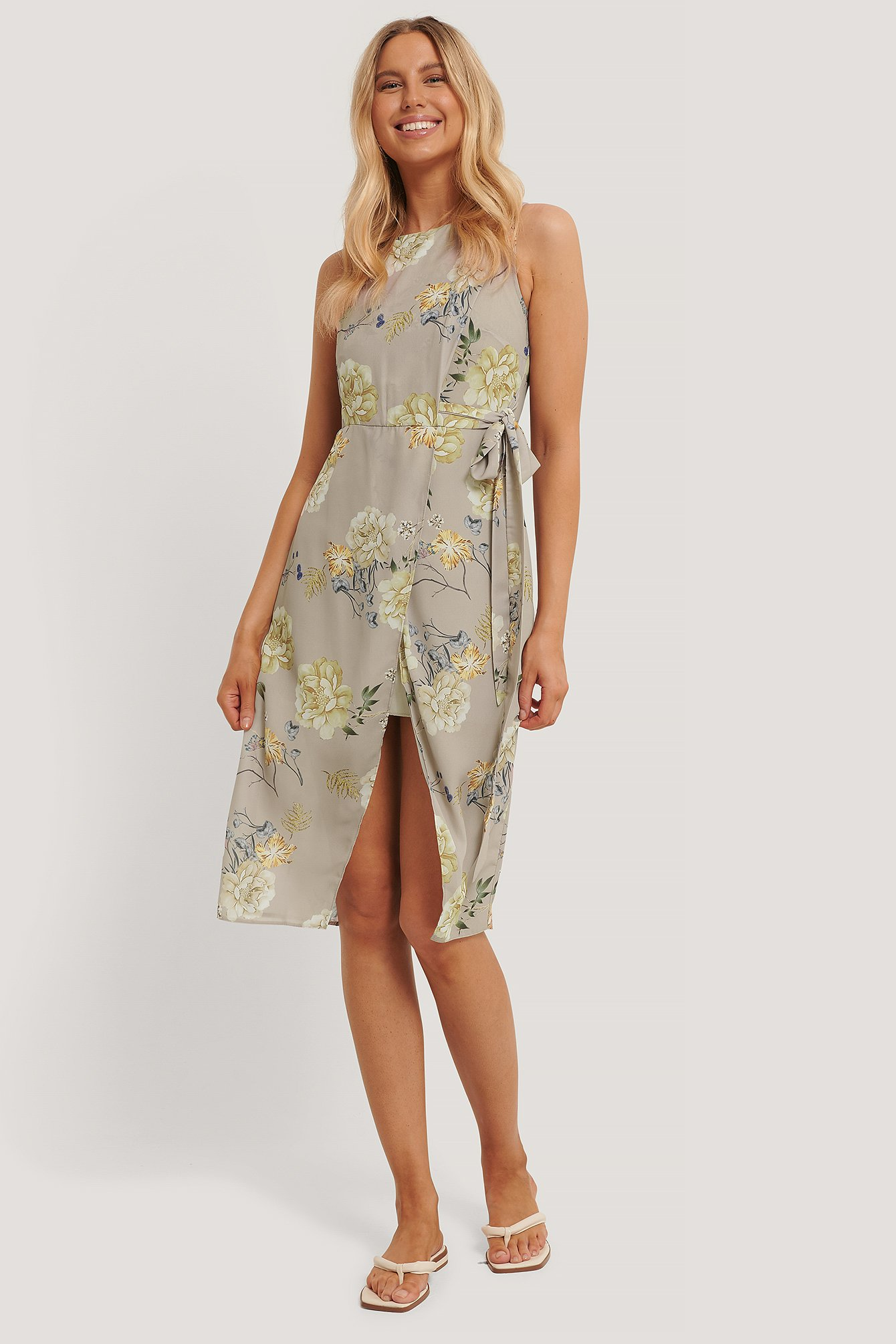 NA-KD Tie Waist Overlap Dress - Multicolor