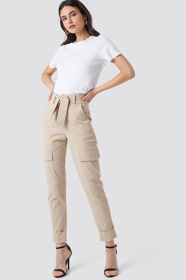Spodnie z wiązanym paskiem Beige
