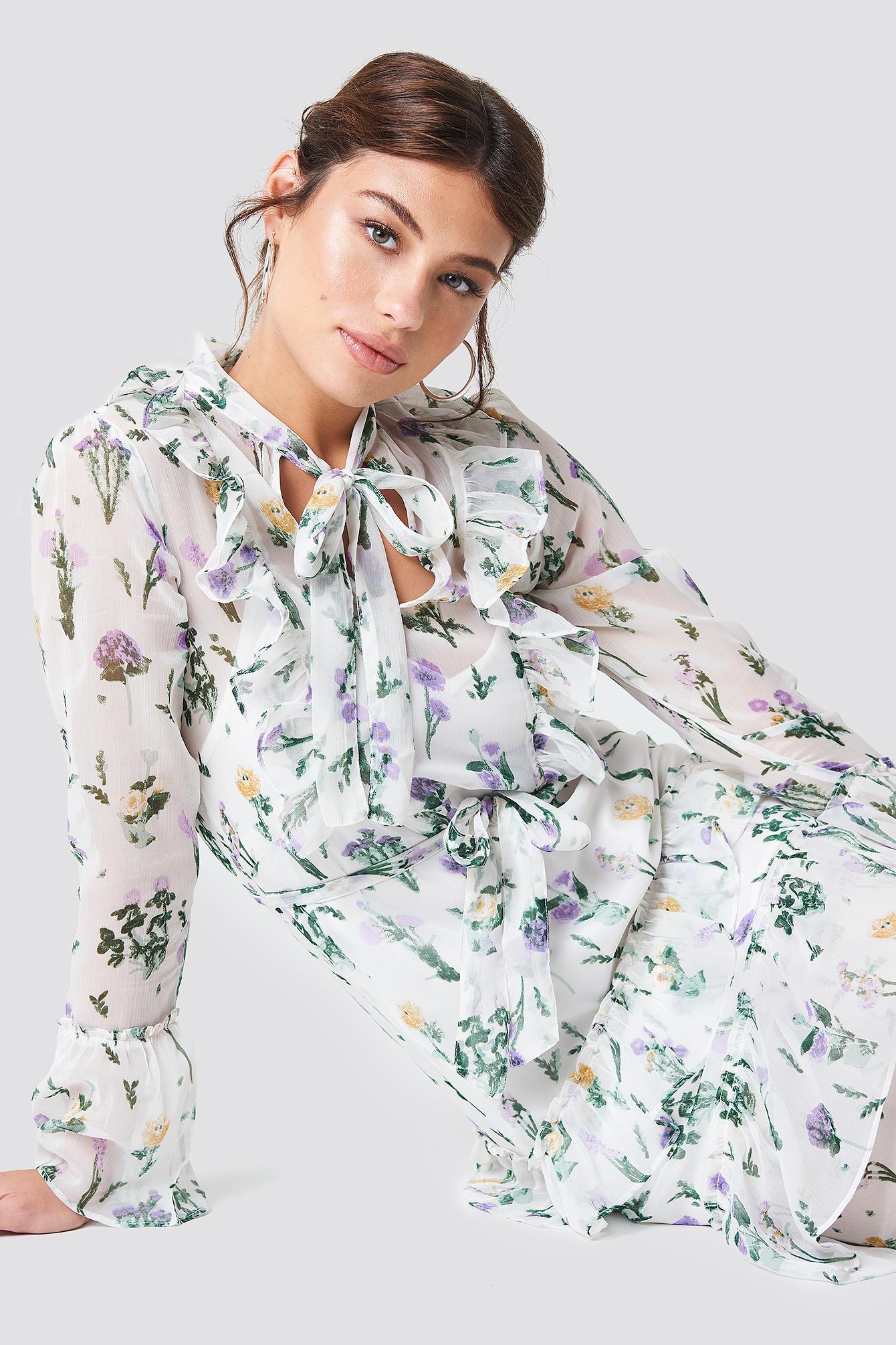 Sukienka z falbankami i wiązaniem NA-KD.COM