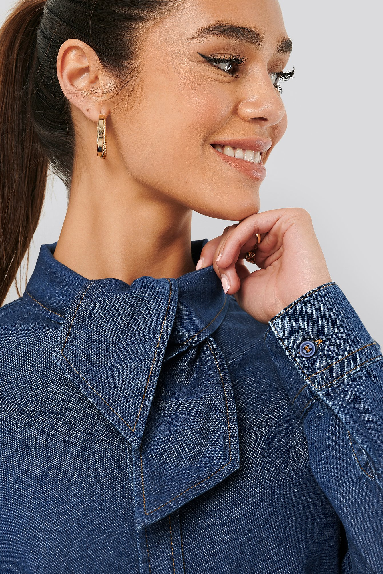 na-kd trend -  Tied Collar Denim Shirt - Blue