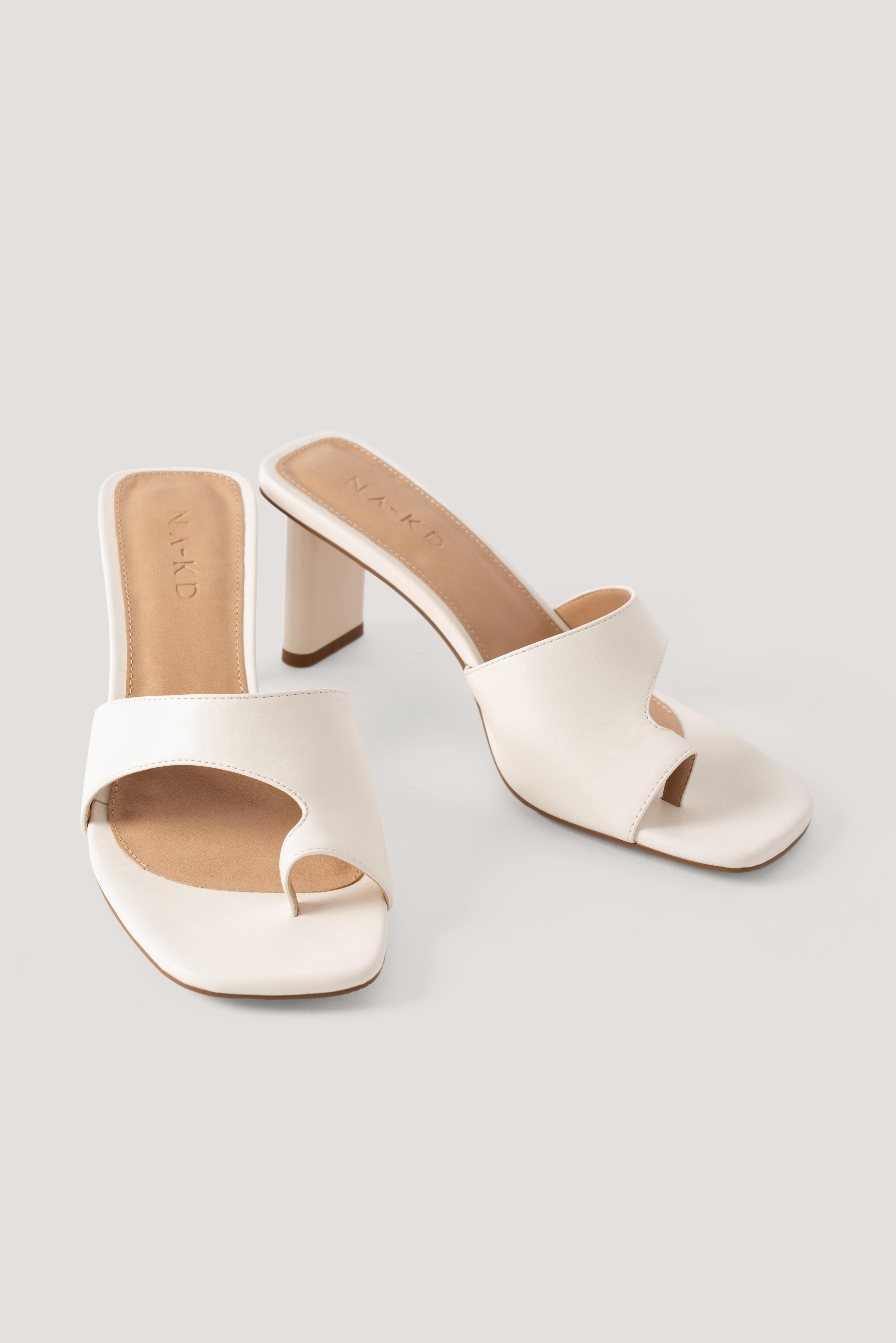 na-kd shoes -  Toe Strap Mules - White