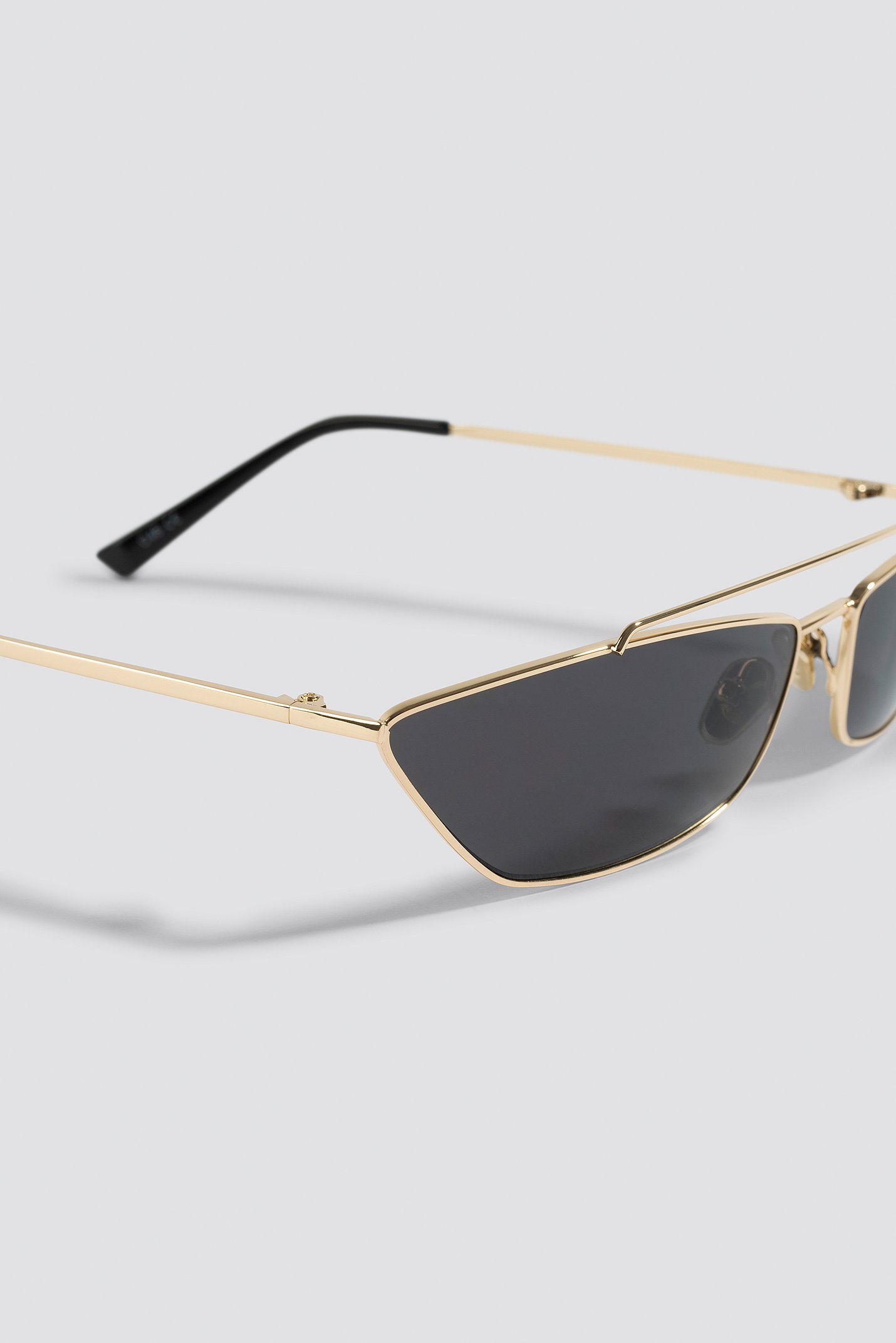 Trapezoid Metal Bridge Sunglasses NA-KD.COM