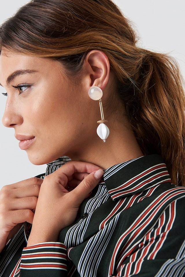 Twisted White Drop Earrings NA-KD.COM