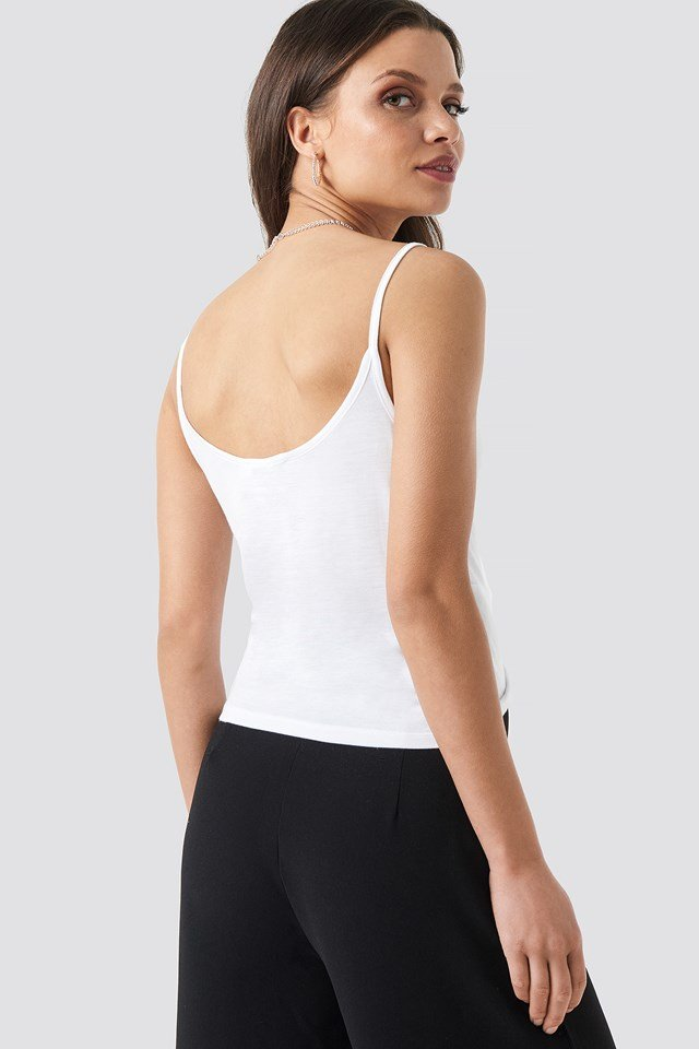 Twist Front Cami Top NA-KD.COM