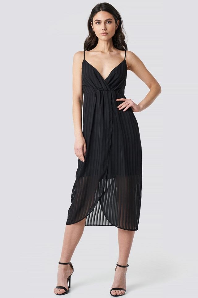 Twist Front Strap Dress Black