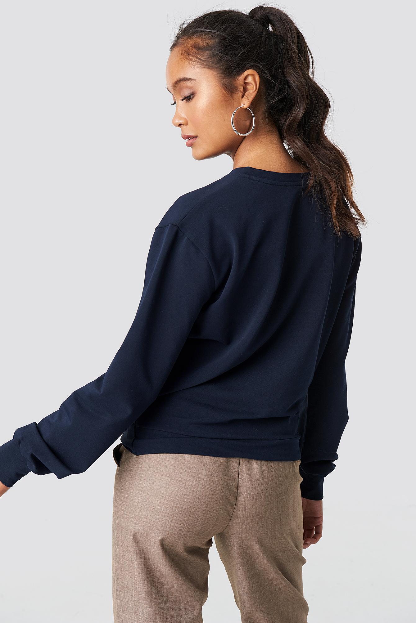 Twisted Front Sweatshirt NA-KD.COM