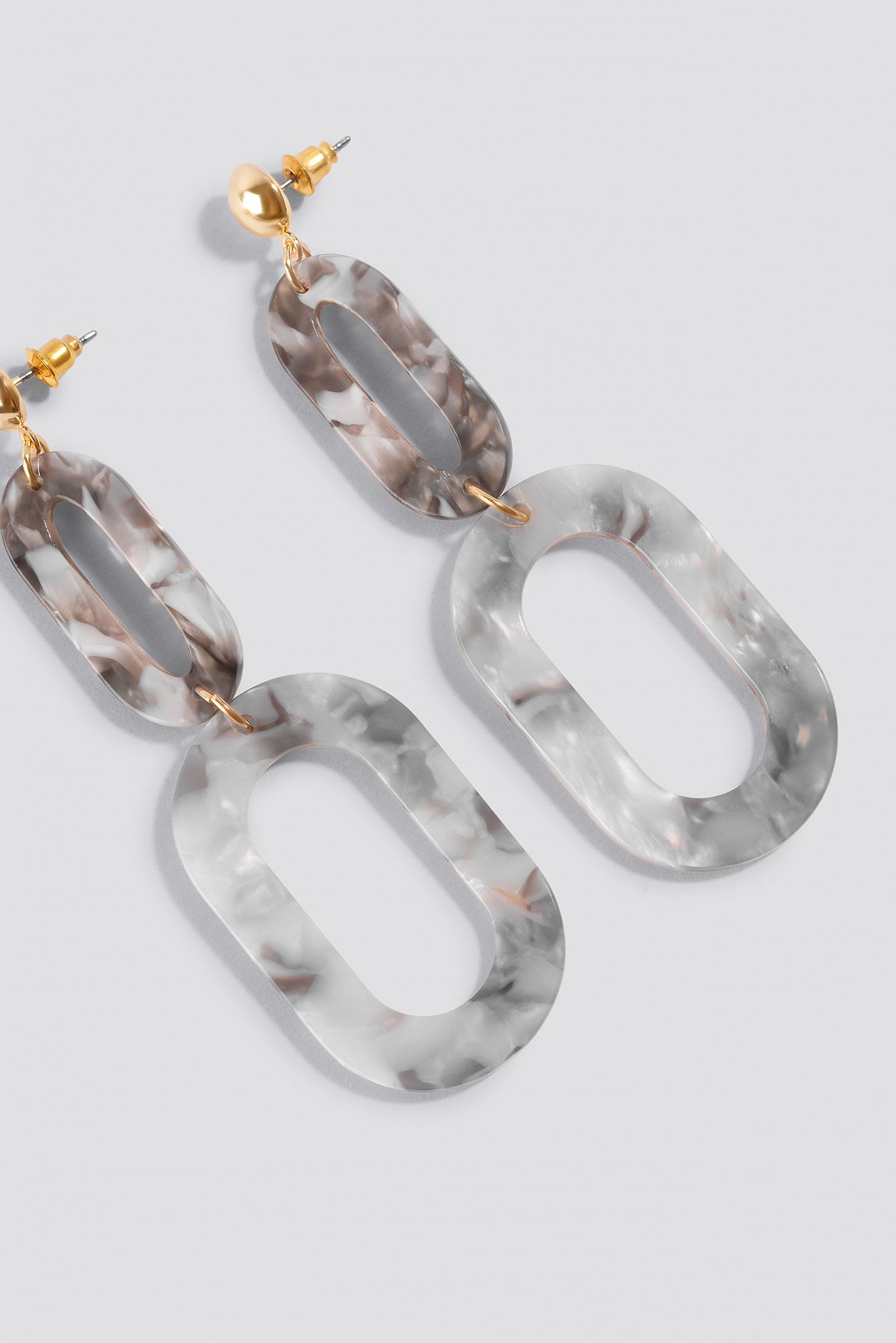 Two Chain Resin Earrings NA-KD.COM