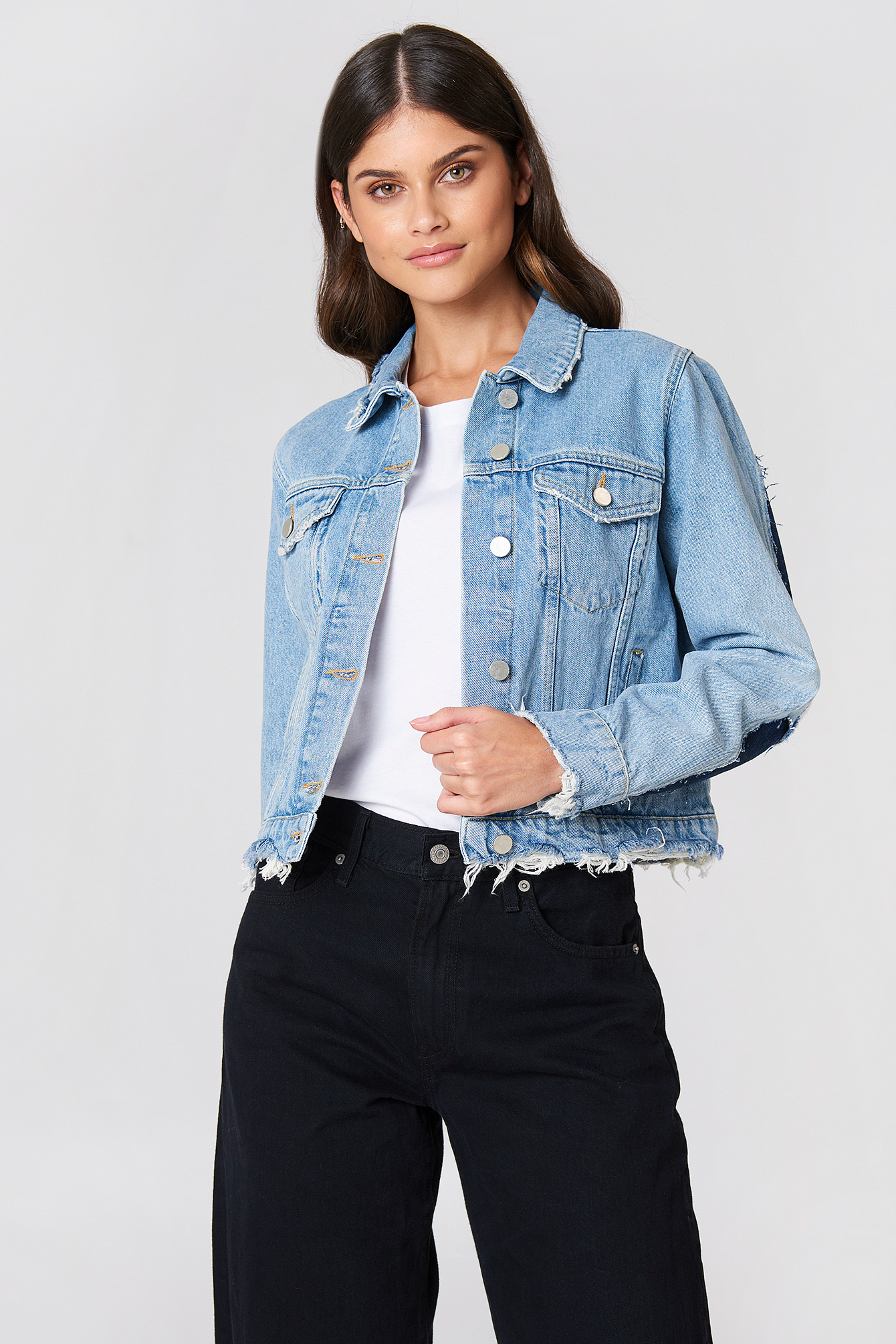 Two Toned Cut Out Sleeve Denim Jacket NA-KD.COM