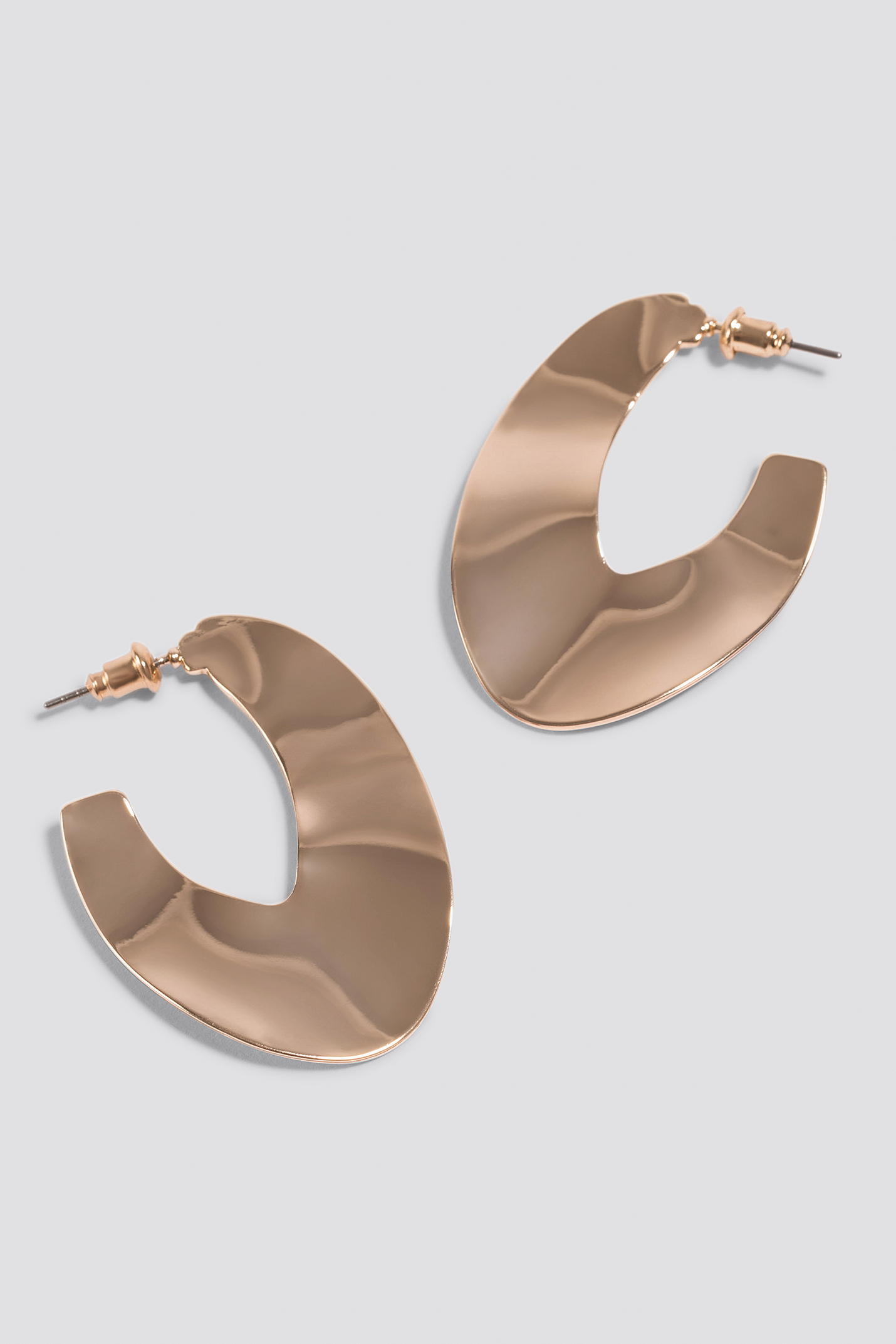 Uneven Flat Hoop Earrings NA-KD.COM