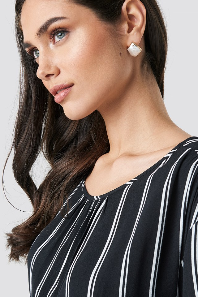 Uneven Pearl Earrings Gold