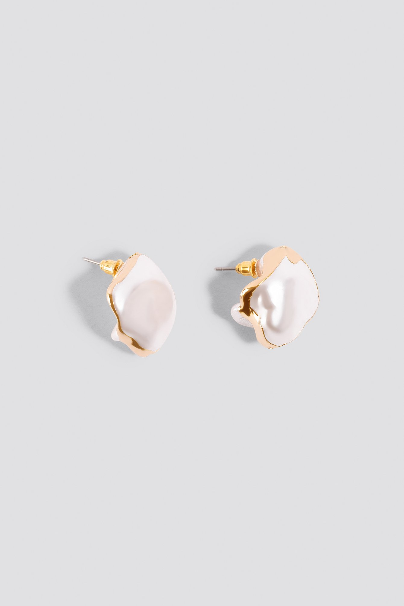 Uneven Pearl Earrings NA-KD.COM