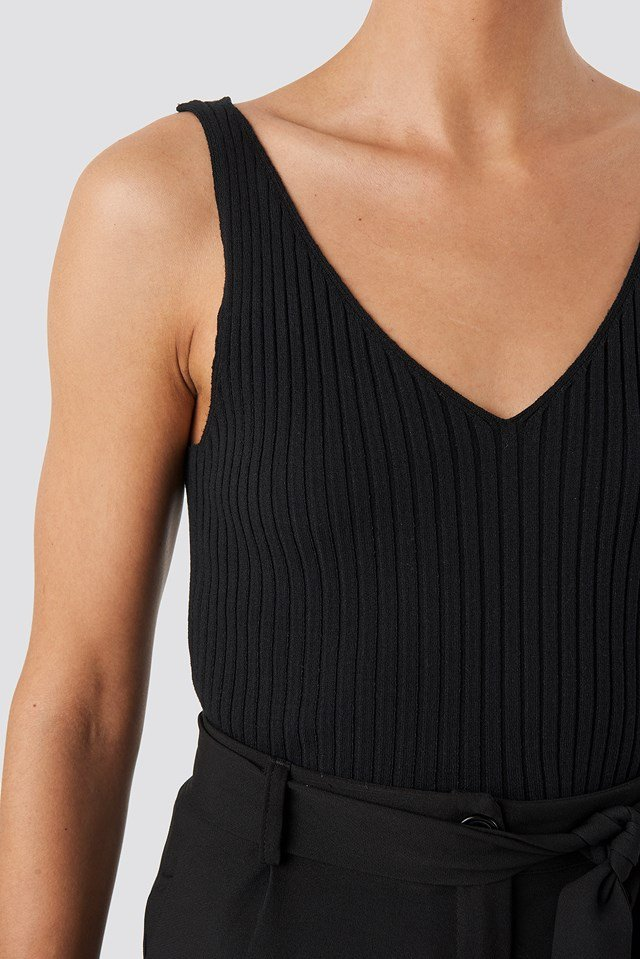 V-neck Ribbed Knitted Top Black