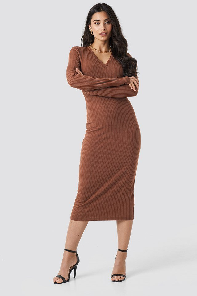 V-neck Ribbed Midi Dress NA-KD