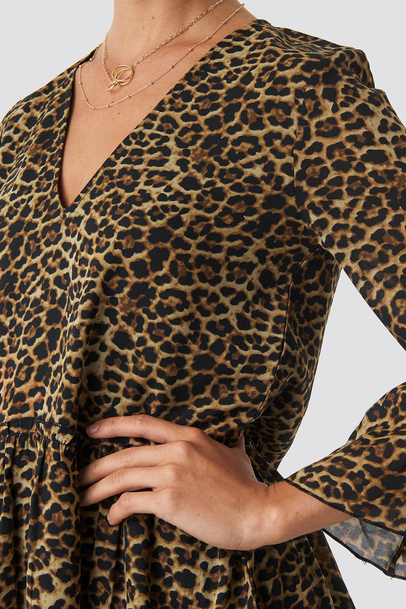 V-Neck Ruffle Mini Dress NA-KD.COM