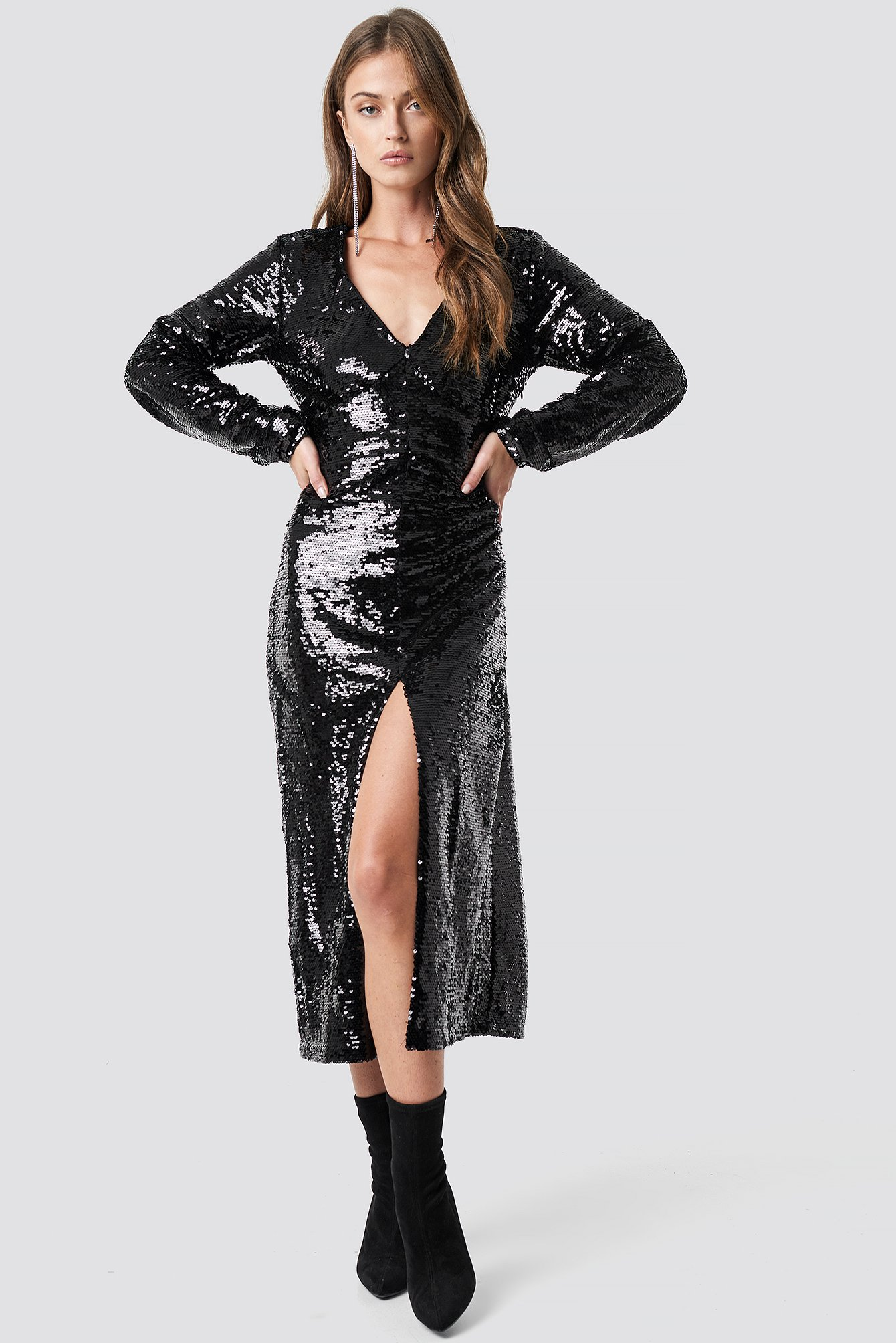 na-kd party -  V-Neck Sequins Midi Dress - Black