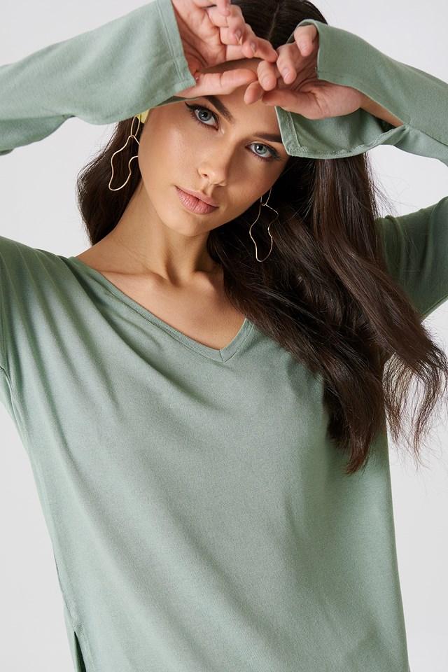 V-neck Side Slit Top Duck Green