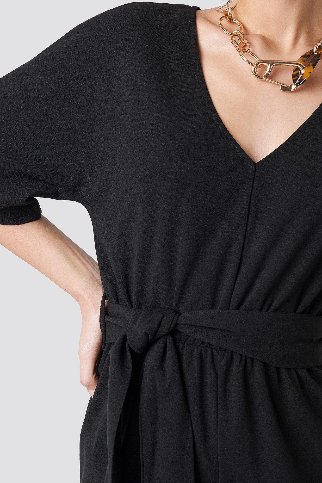 V-neck Wide Leg Jumpsuit NA-KD.COM