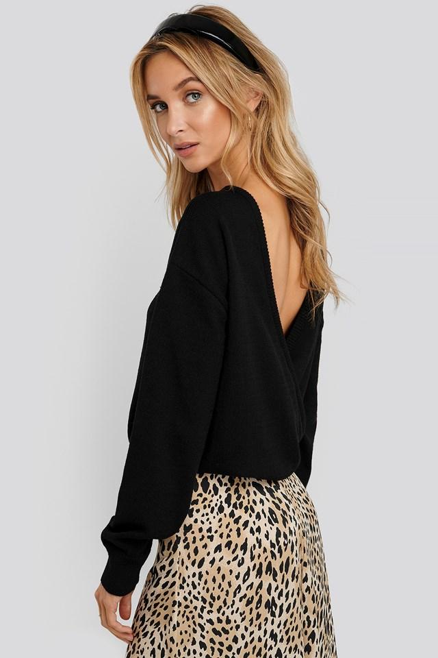 V-shape Deep Back Sweater Black
