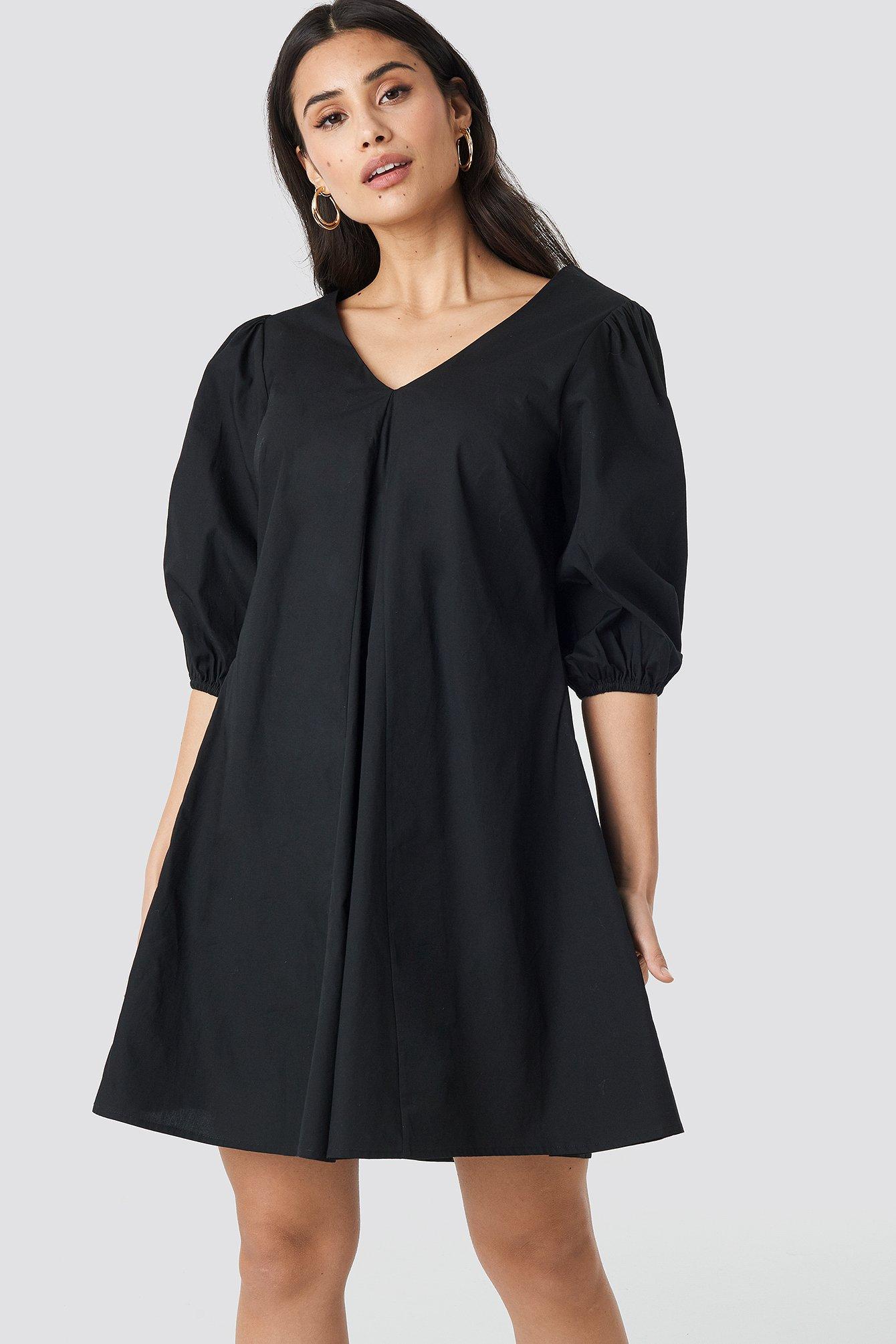 NA-KD Trend V-back and Front Short Sleeve Dress - Black