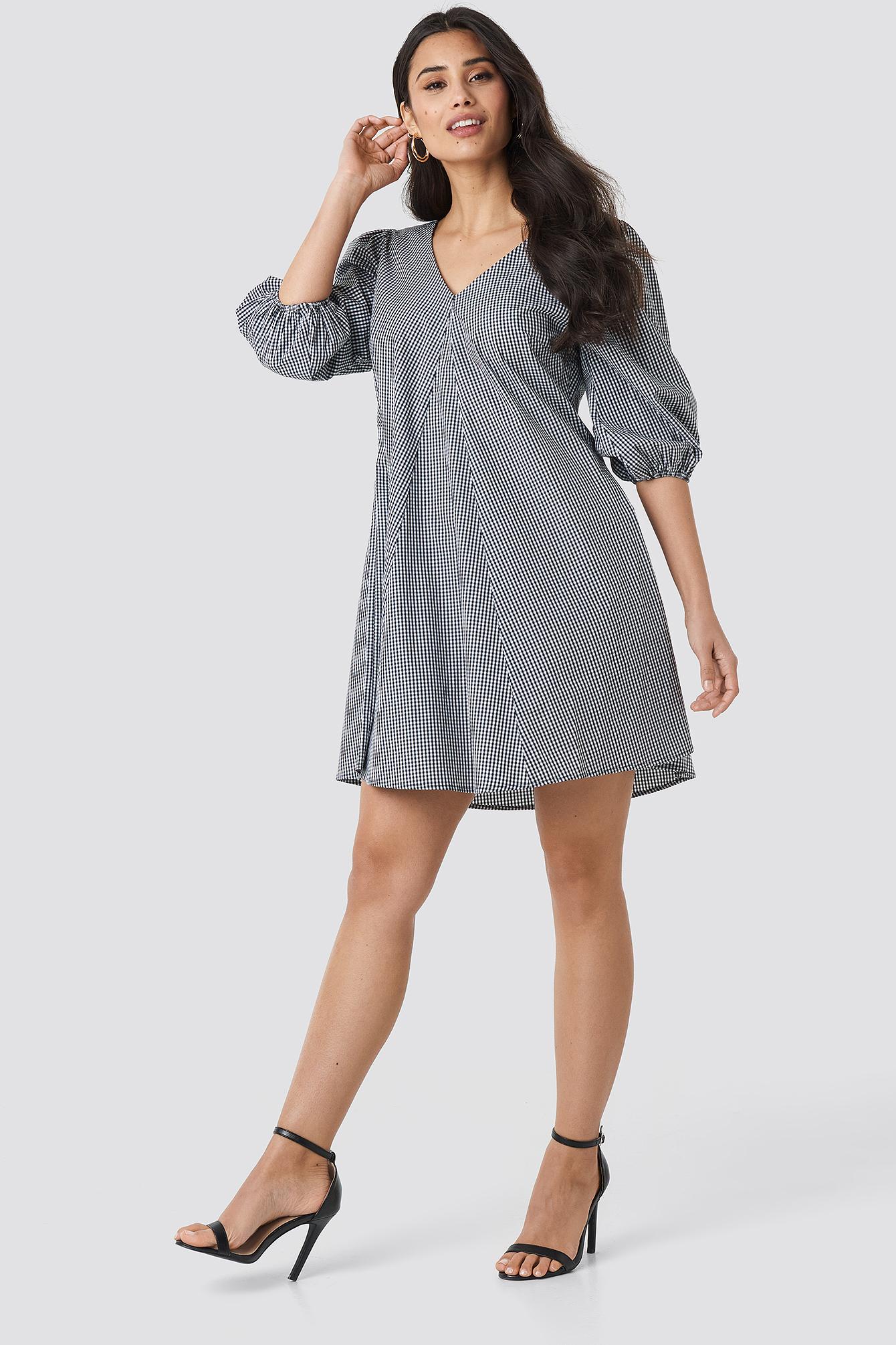 V-back and Front Short Sleeve Dress NA-KD.COM