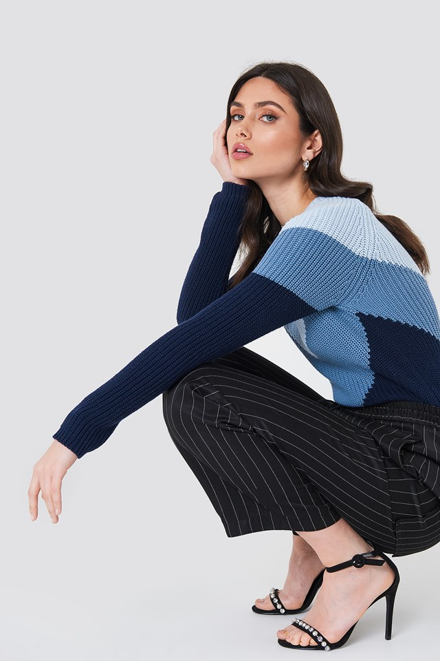 V Blocked Knitted Sweater Blue