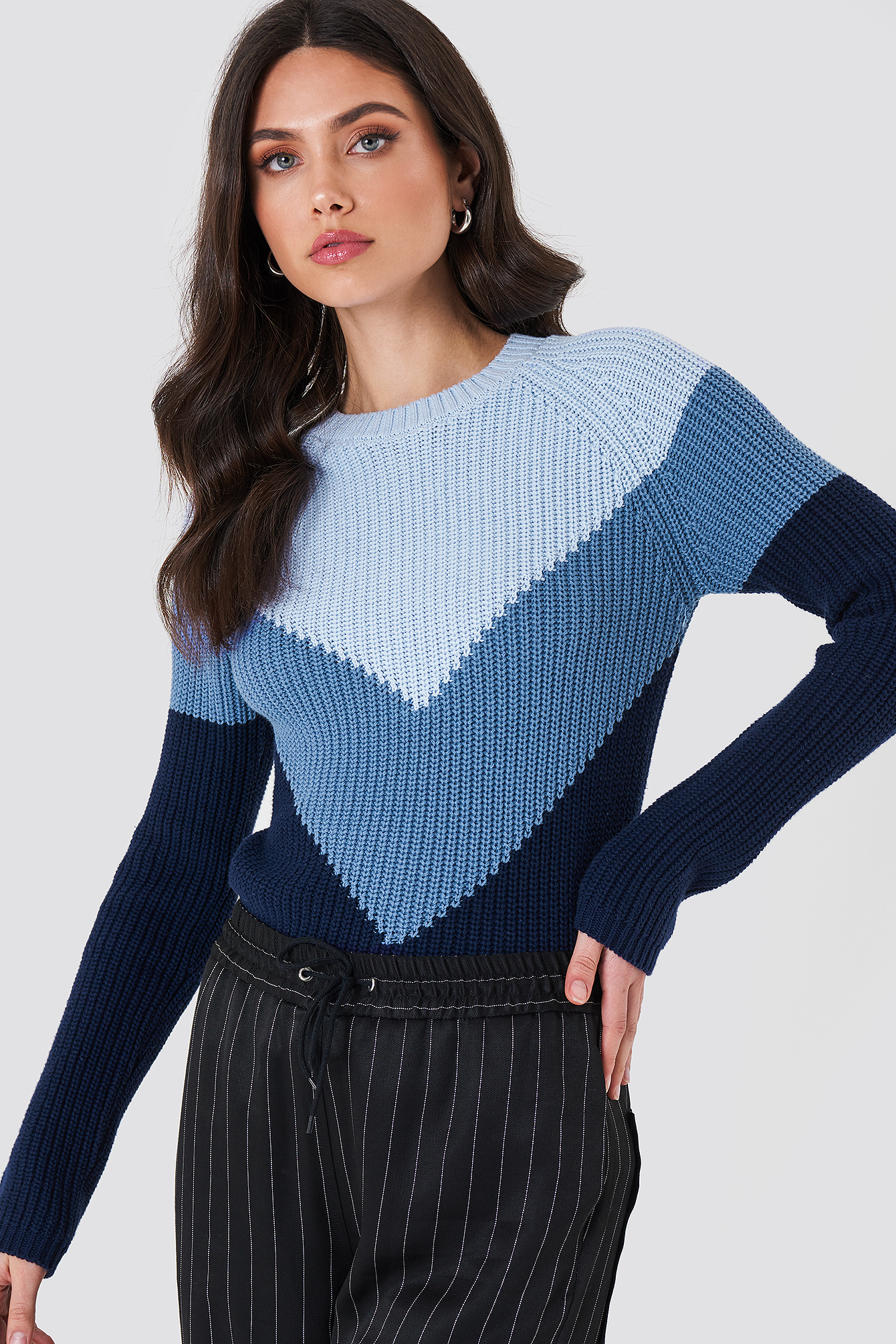 V Blocked Knitted Sweater NA-KD.COM
