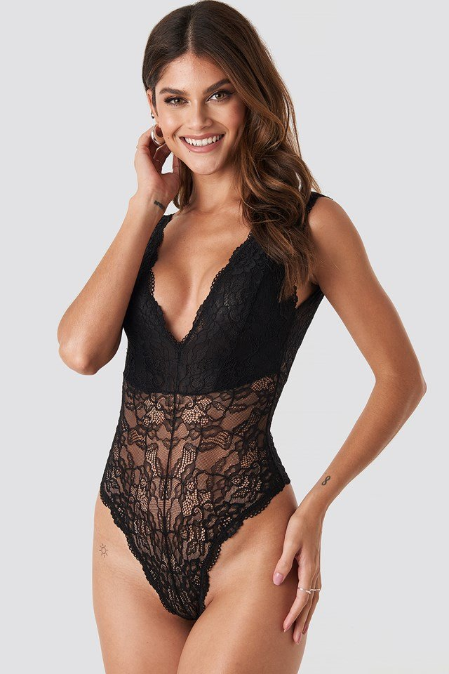 V-Cut Flower Lace Bodysuit Black