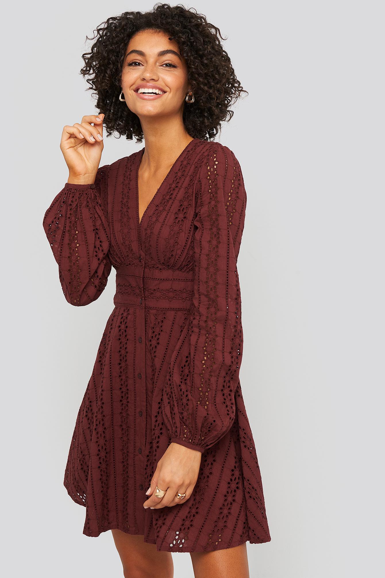 na-kd boho -  V-Neck Anglaise LS Mini Dress - Red