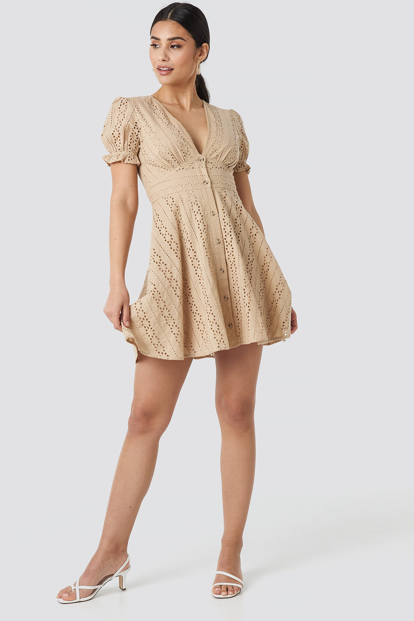 V-Neck Anglaise Mini Dress NA-KD.COM