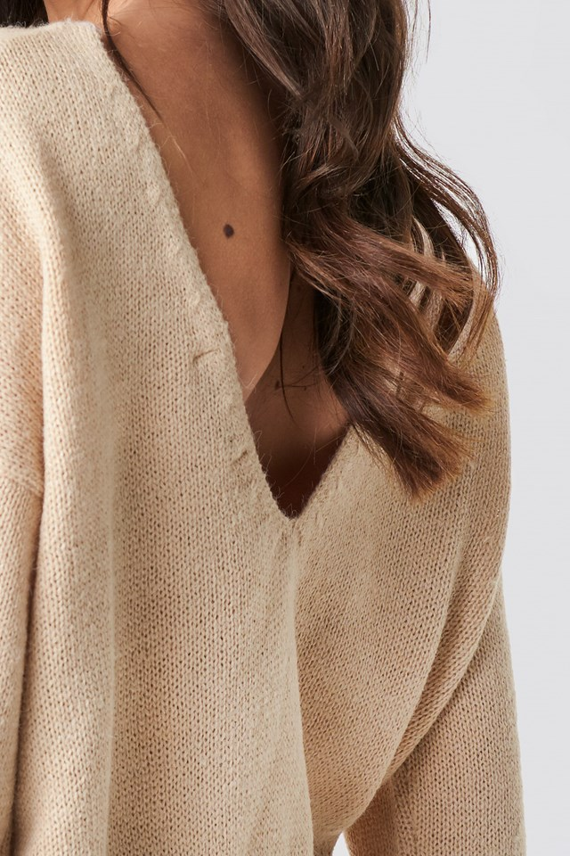 V-neck Back Cropped Knitted Sweater Beige