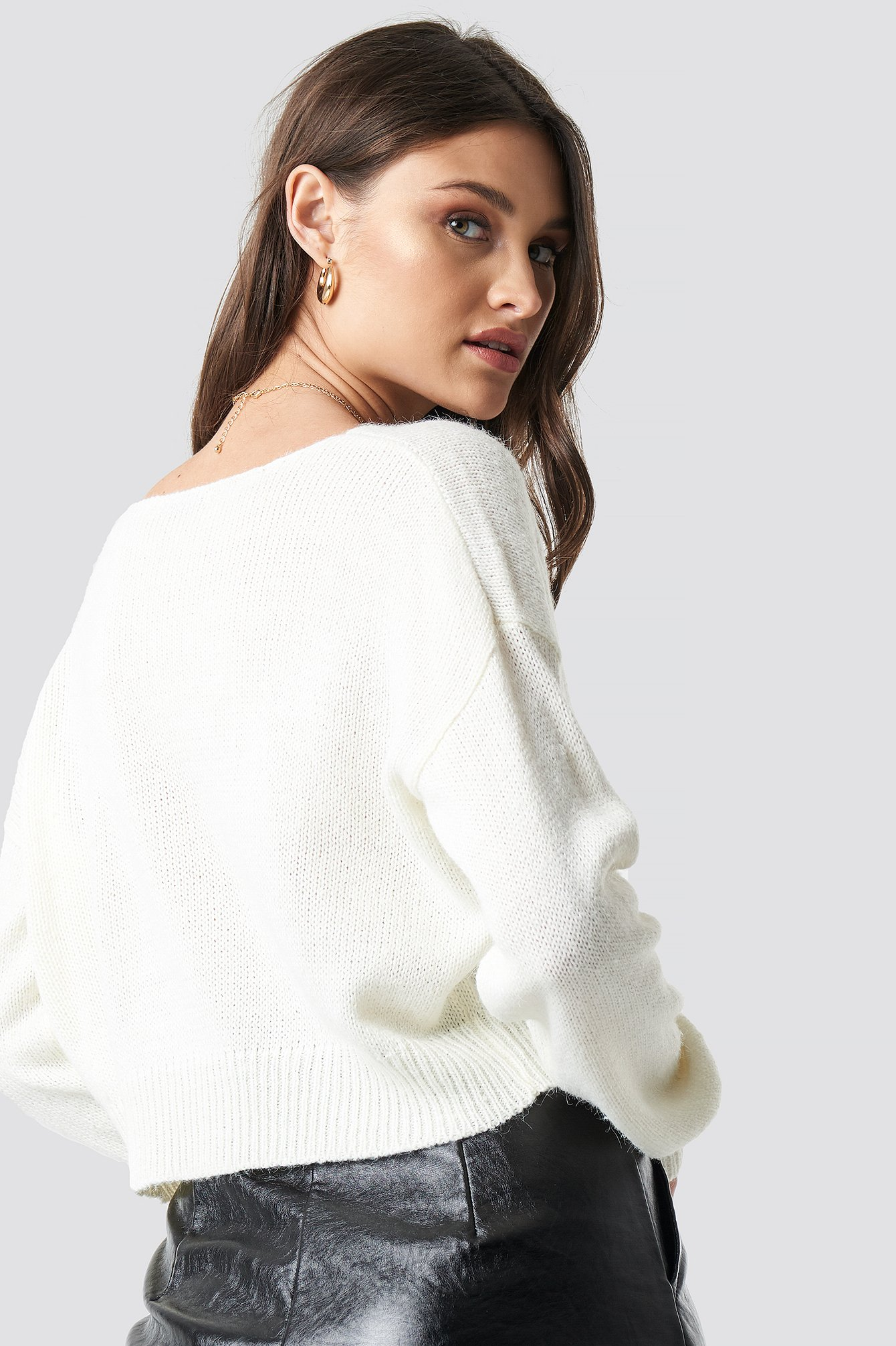 V-neck Cropped Knitted Sweater NA-KD.COM