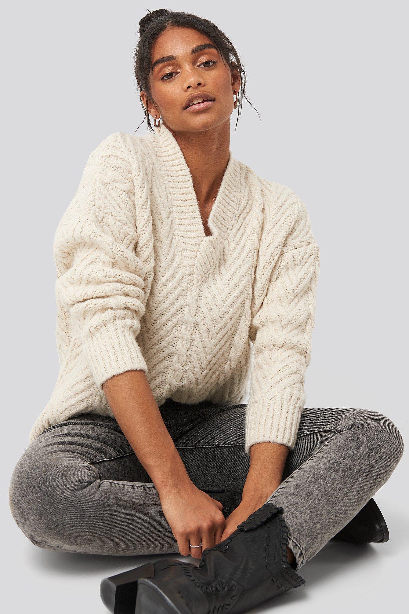 trendyol -  V-Neck Oversize Sweater - White