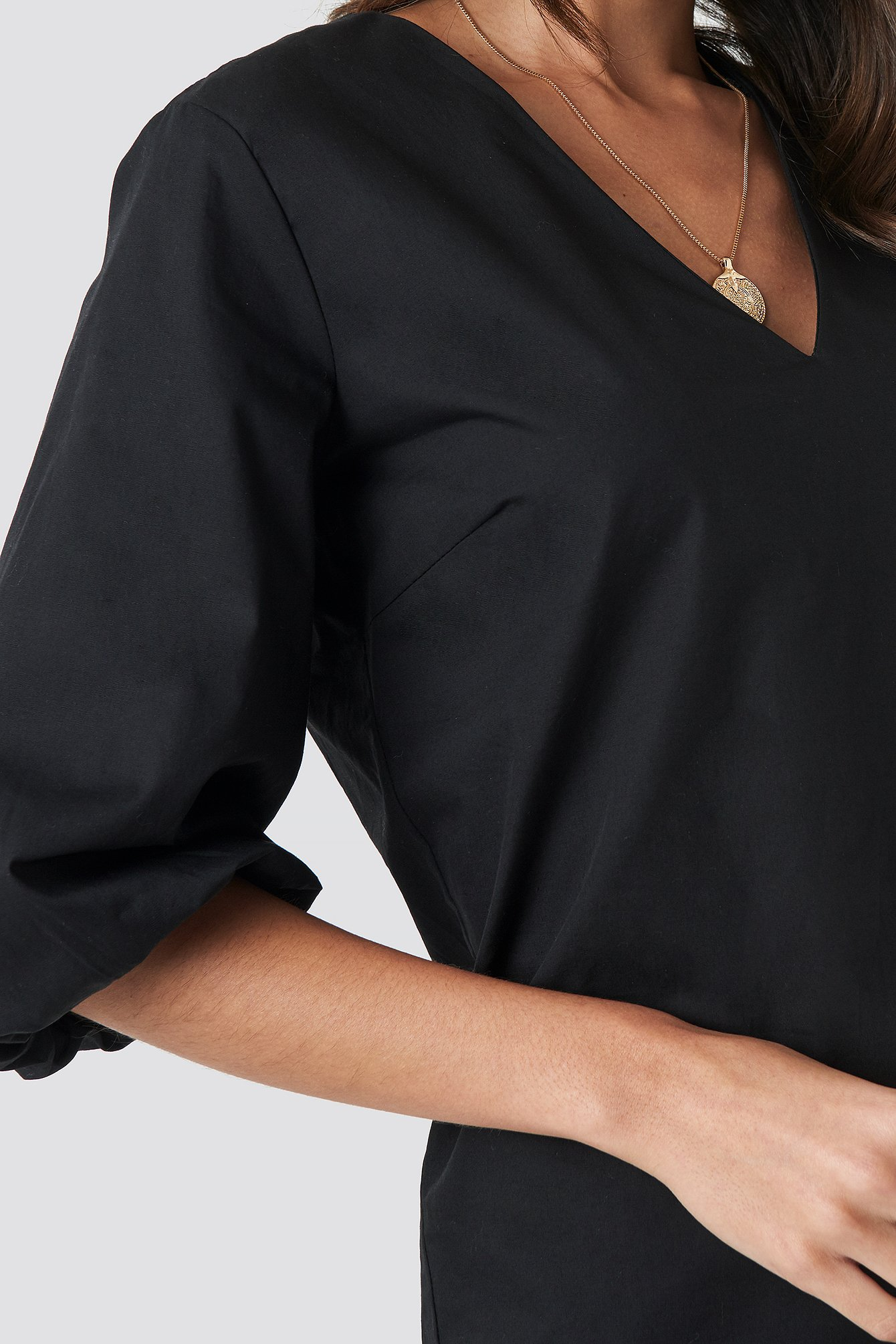 Black V-Neck Short Puff Sleeves Dress