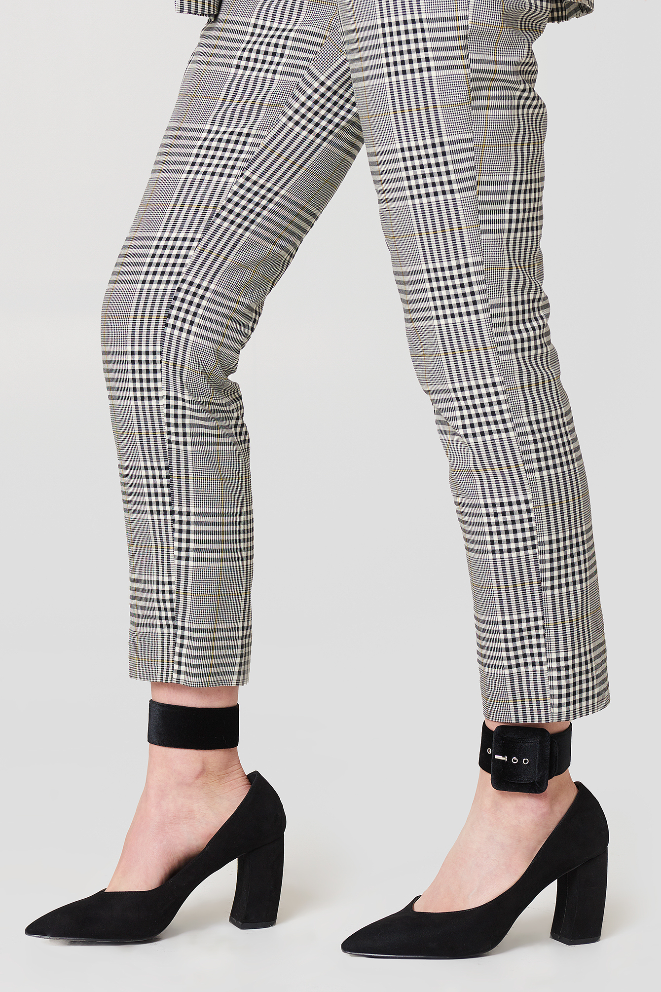 Velvet Ankle Cuffs NA-KD.COM