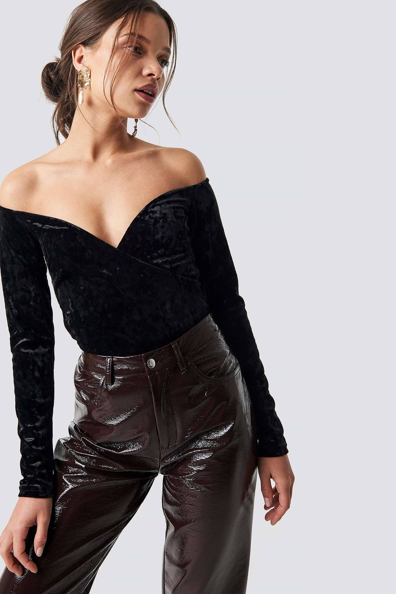 na-kd party -  Velvet Off Shoulder Top - Black